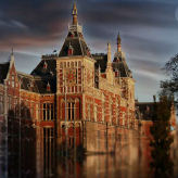The Curse of the Amsterdam Diamond Game